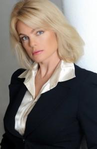 2016 erika eleniak Erika Eleniak